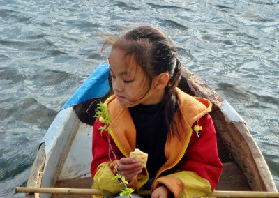 Pipi in small boat
